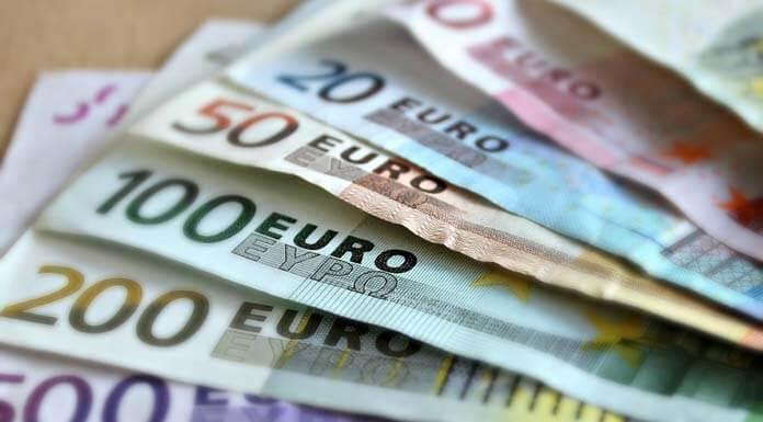 billetes de euros para apostar
